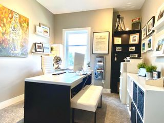 Photo 18: 437 50 Avenue SW in Calgary: Windsor Park Semi Detached for sale : MLS®# A1141403