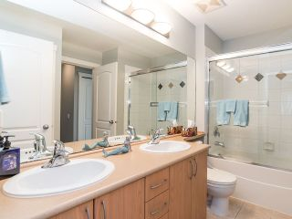 """Photo 19: 48 5839 PANORAMA Drive in Surrey: Sullivan Station Townhouse for sale in """"FOREST GATE"""" : MLS®# R2373372"""