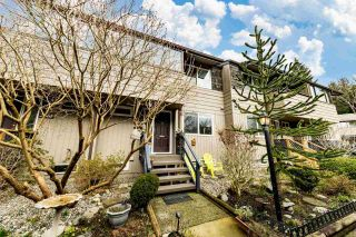 """Main Photo: 2363 MOUNTAIN Highway in North Vancouver: Lynn Valley Townhouse for sale in """"YORKWOOD PARK"""" : MLS®# R2543885"""