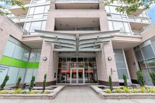 """Photo 2: 2301 2978 GLEN Drive in Coquitlam: North Coquitlam Condo for sale in """"Grand Central One"""" : MLS®# R2514329"""