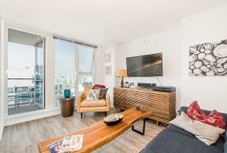 """Photo 3: 3302 602 CITADEL PARADE in Vancouver: Downtown VW Condo for sale in """"SPECTRUM 4"""" (Vancouver West)  : MLS®# R2197310"""