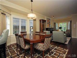 Photo 5: 19 675 Superior St in VICTORIA: Vi James Bay Row/Townhouse for sale (Victoria)  : MLS®# 581511