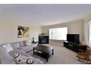 Photo 10: 24 127 Aldersmith Pl in VICTORIA: VR Glentana Row/Townhouse for sale (View Royal)  : MLS®# 738136
