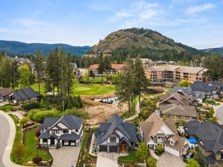 Photo 2: 2108 Champions Way in : La Bear Mountain House for sale (Langford)  : MLS®# 874142