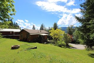 Photo 6: 7633 Squilax Anglemont Road: Anglemont House for sale (North Shuswap)  : MLS®# 10233439