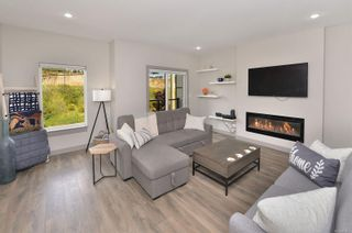 Photo 4: 114 687 STRANDLUND Ave in : La Langford Proper Row/Townhouse for sale (Langford)  : MLS®# 874976