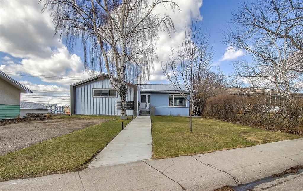 Main Photo: 24 Fielding Drive SE in Calgary: Fairview Detached for sale : MLS®# A1097168