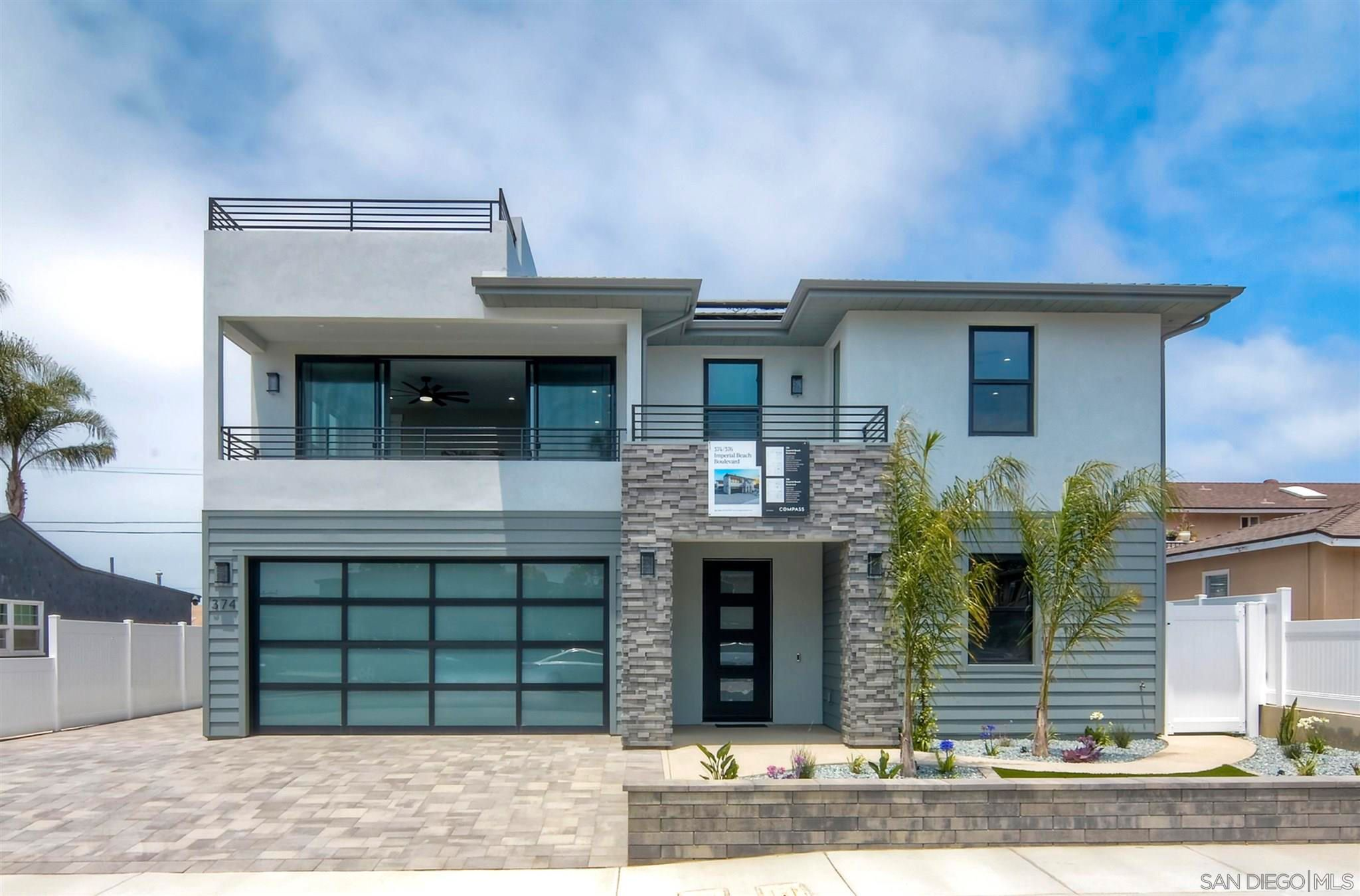 Main Photo: IMPERIAL BEACH House for sale : 4 bedrooms : 374 Imperial Beach Blvd