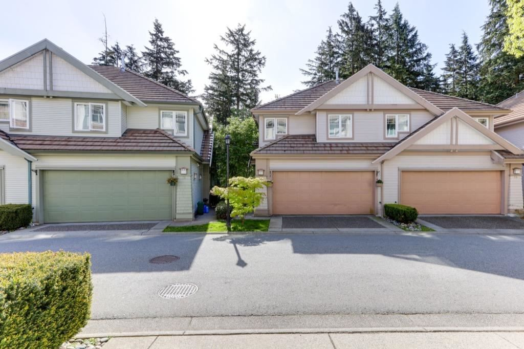 Main Photo: 33 2351 PARKWAY BOULEVARD in : Westwood Plateau Townhouse for sale : MLS®# R2580064