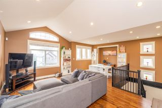 """Photo 2: 35685 ZANATTA Place in Abbotsford: Abbotsford East House for sale in """"Parkview Ridge"""" : MLS®# R2299146"""
