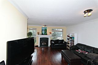 Photo 4: 411 13733 74 Avenue in Surrey: East Newton Condo for sale : MLS®# R2250569