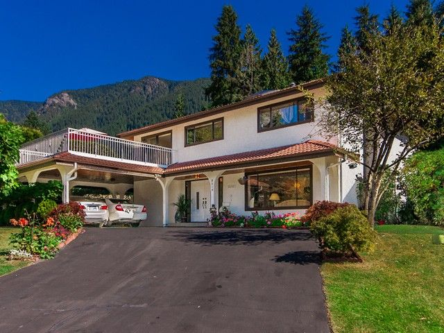 Main Photo: 5210 CLIFFRIDGE Avenue in North Vancouver: Canyon Heights NV House for sale : MLS®# V995254