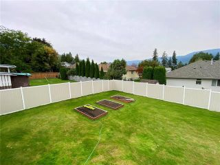 Photo 6: 2051 12 Street, SW in Salmon Arm: House for sale : MLS®# 10240208