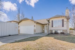 Photo 1: 255 Flavelle Crescent in Saskatoon: Dundonald Residential for sale : MLS®# SK851411