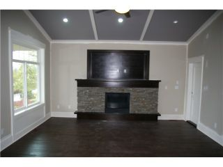 Photo 2: 8049 WILLET PL in Mission: Mission BC House for sale : MLS®# F1428462