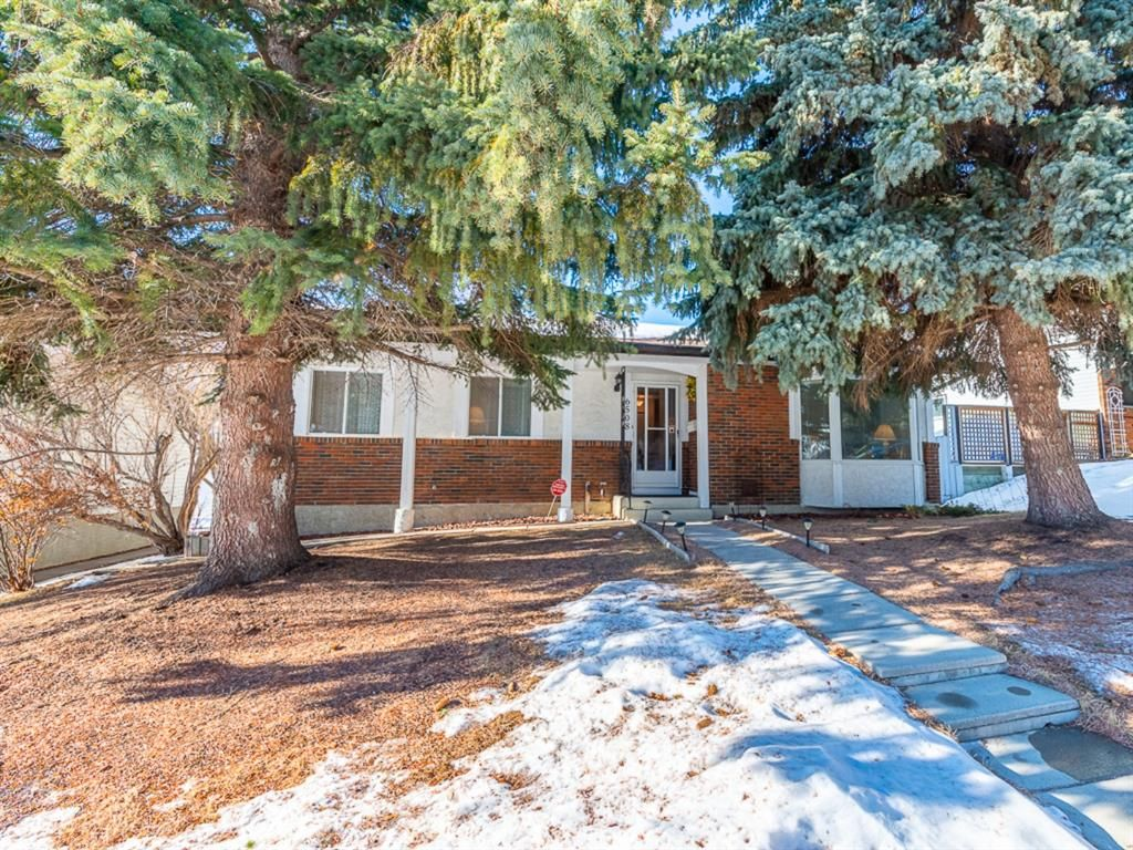 Main Photo: 6508 Silver Springs Way NW in Calgary: Silver Springs Detached for sale : MLS®# A1065186