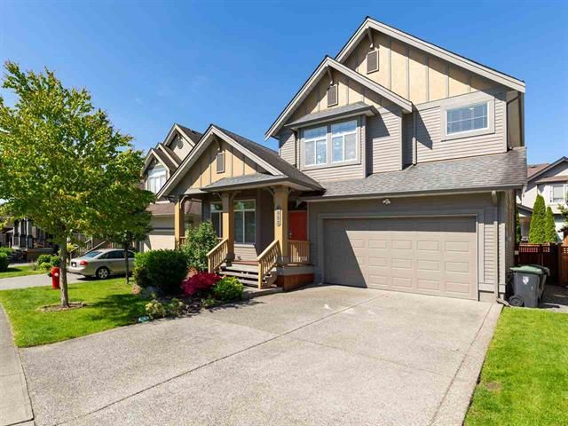 Main Photo: 6983 196B in Langley: Willoughby Heights House for sale : MLS®# R2460792