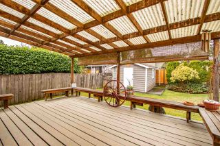 Photo 16: 2125 FLORALYNN Crescent in North Vancouver: Westlynn House for sale : MLS®# R2360000