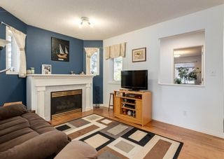 Photo 2: 26 Cedarview Mews SW in Calgary: Cedarbrae Detached for sale : MLS®# A1152745