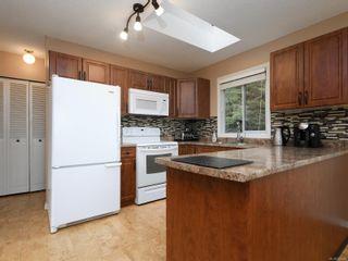 Photo 7: 2211 Firwood Pl in : Sk John Muir House for sale (Sooke)  : MLS®# 868664