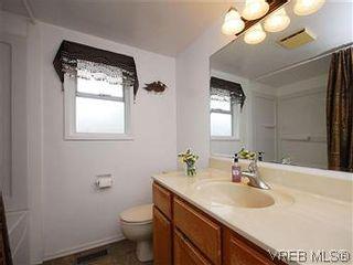 Photo 18: 1854 Elmhurst Pl in VICTORIA: SE Lambrick Park House for sale (Saanich East)  : MLS®# 572486