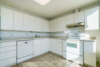 """Photo 15: 903 6152 KATHLEEN Avenue in Burnaby: Metrotown Condo for sale in """"EMBASSY"""" (Burnaby South)  : MLS®# R2506354"""