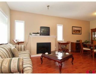 """Photo 4: 15 6852 193RD Street in Surrey: Clayton Townhouse for sale in """"Indigo"""" (Cloverdale)  : MLS®# F2817479"""