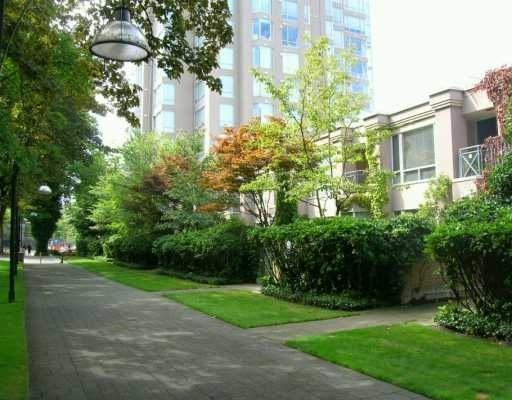 Main Photo: TH3 - 2668 Ash Street in Vancouver: Fairview VW Townhouse for sale (Vancouver West)  : MLS®# V605960