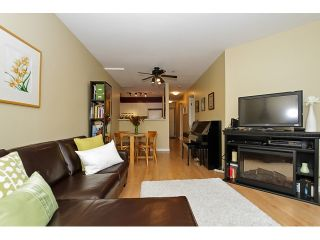 """Photo 4: 303 3505 W BROADWAY in Vancouver: Kitsilano Condo for sale in """"COLLINGWOOD PLACE"""" (Vancouver West)  : MLS®# R2086967"""