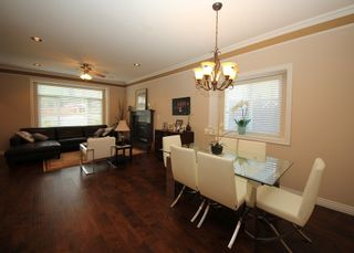 Photo 4: 4292 PARKER Street in Burnaby: Willingdon Heights 1/2 Duplex for sale (Burnaby North)  : MLS®# R2168960