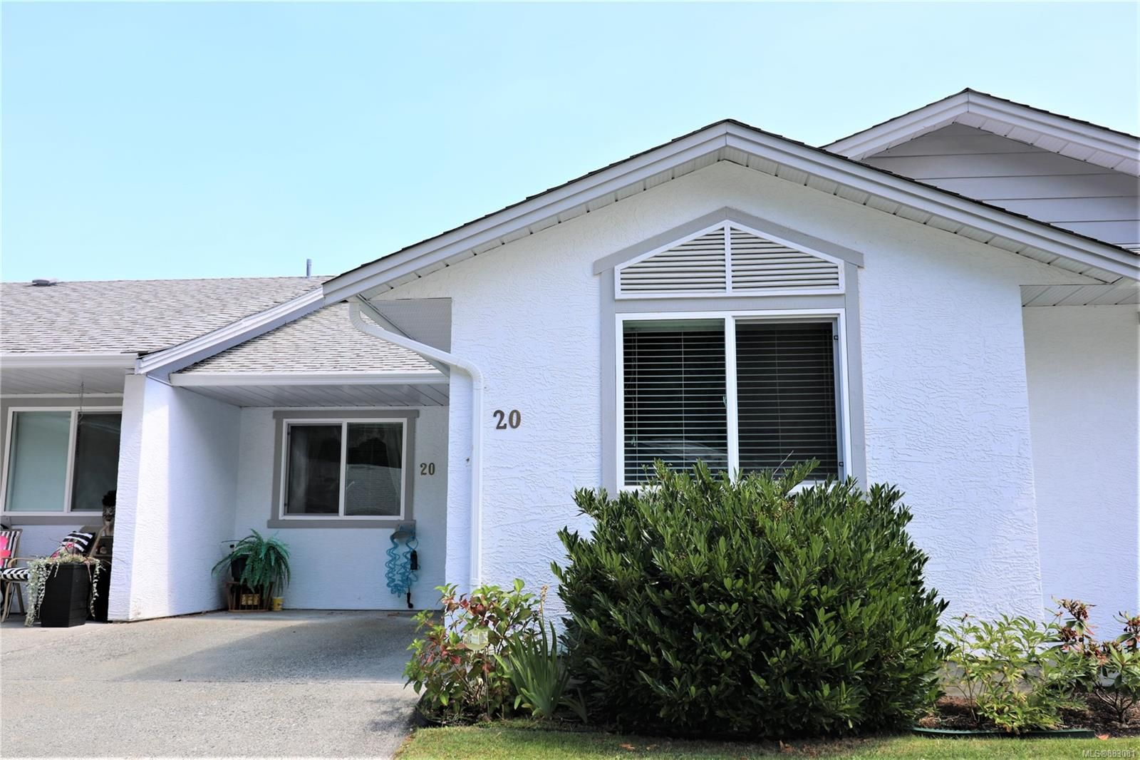 Main Photo: 20 2458 Labieux Rd in : Na Diver Lake Row/Townhouse for sale (Nanaimo)  : MLS®# 883081