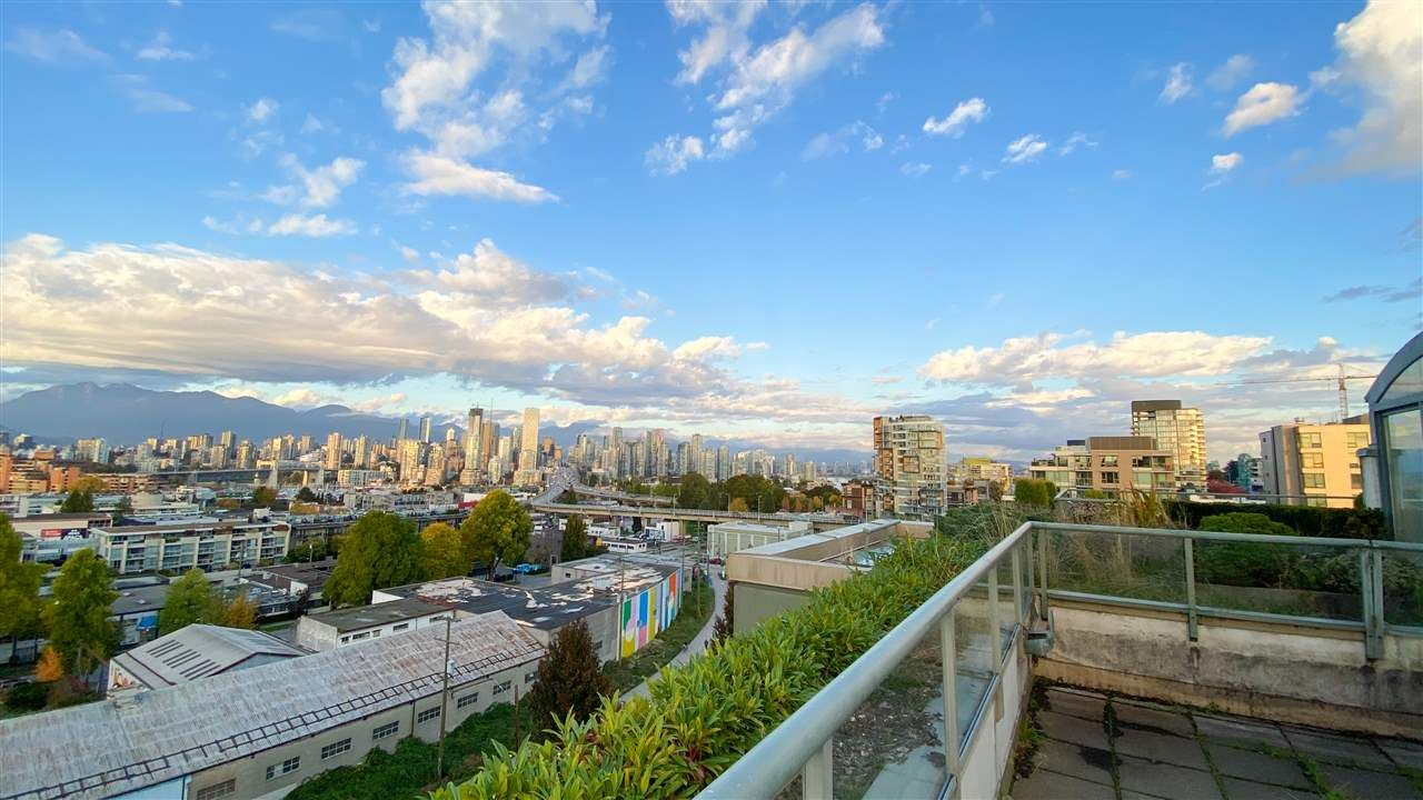 """Main Photo: 1001 2288 PINE Street in Vancouver: Fairview VW Condo for sale in """"THE FAIRVIEW"""" (Vancouver West)  : MLS®# R2513601"""