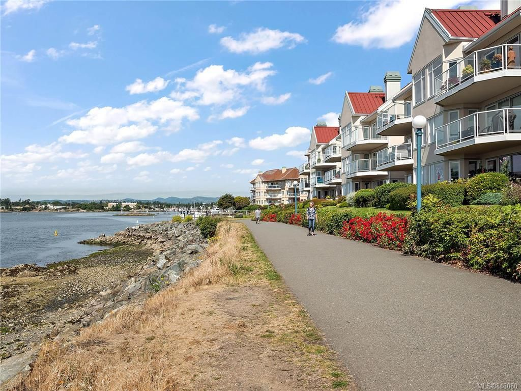 Main Photo: 305 55 Songhees Rd in Victoria: VW Songhees Condo for sale (Victoria West)  : MLS®# 843060