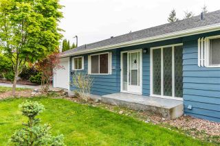 Photo 1: 32550 FLEMING Avenue in Mission: Mission BC House for sale : MLS®# R2589074