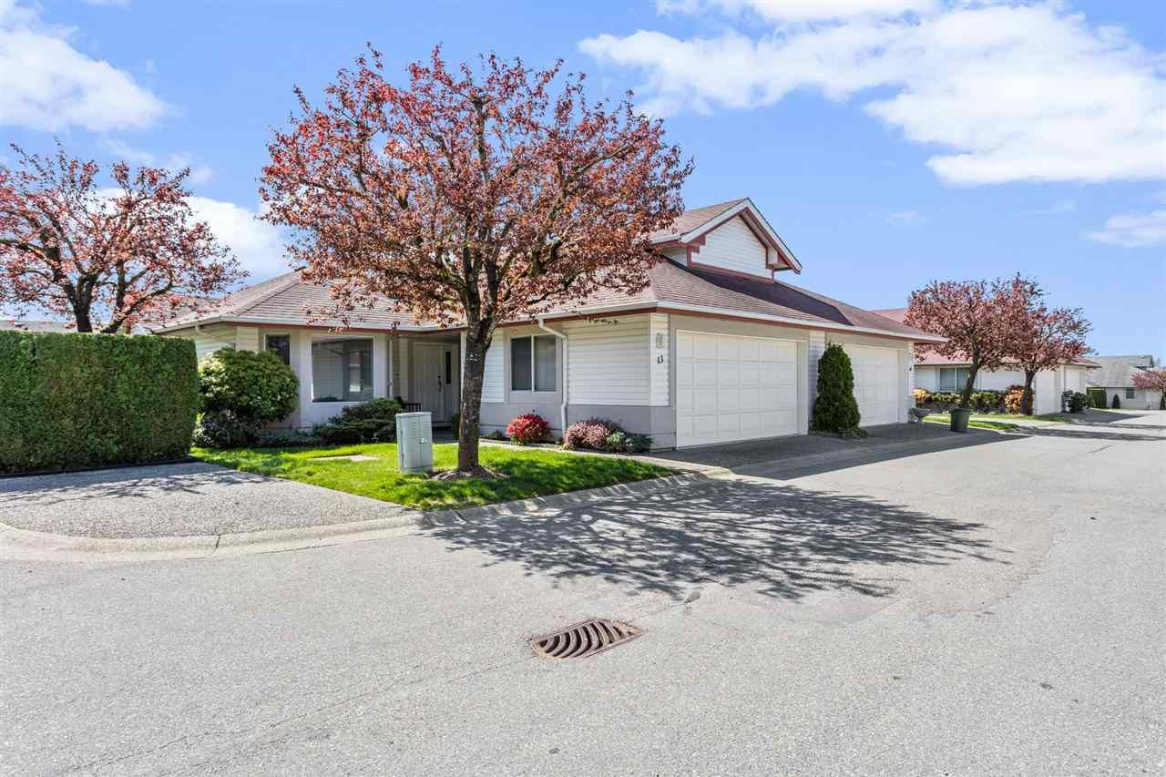 """Main Photo: 13 31406 UPPER MACLURE Road in Abbotsford: Abbotsford West Townhouse for sale in """"Ellwood Estates"""" : MLS®# R2569174"""