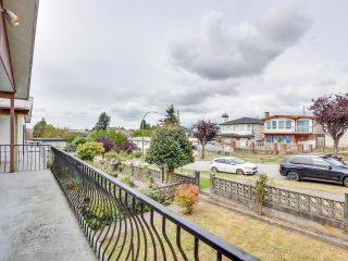 """Photo 5: 2928 E 6TH Avenue in Vancouver: Renfrew VE House for sale in """"RENFREW"""" (Vancouver East)  : MLS®# R2620288"""