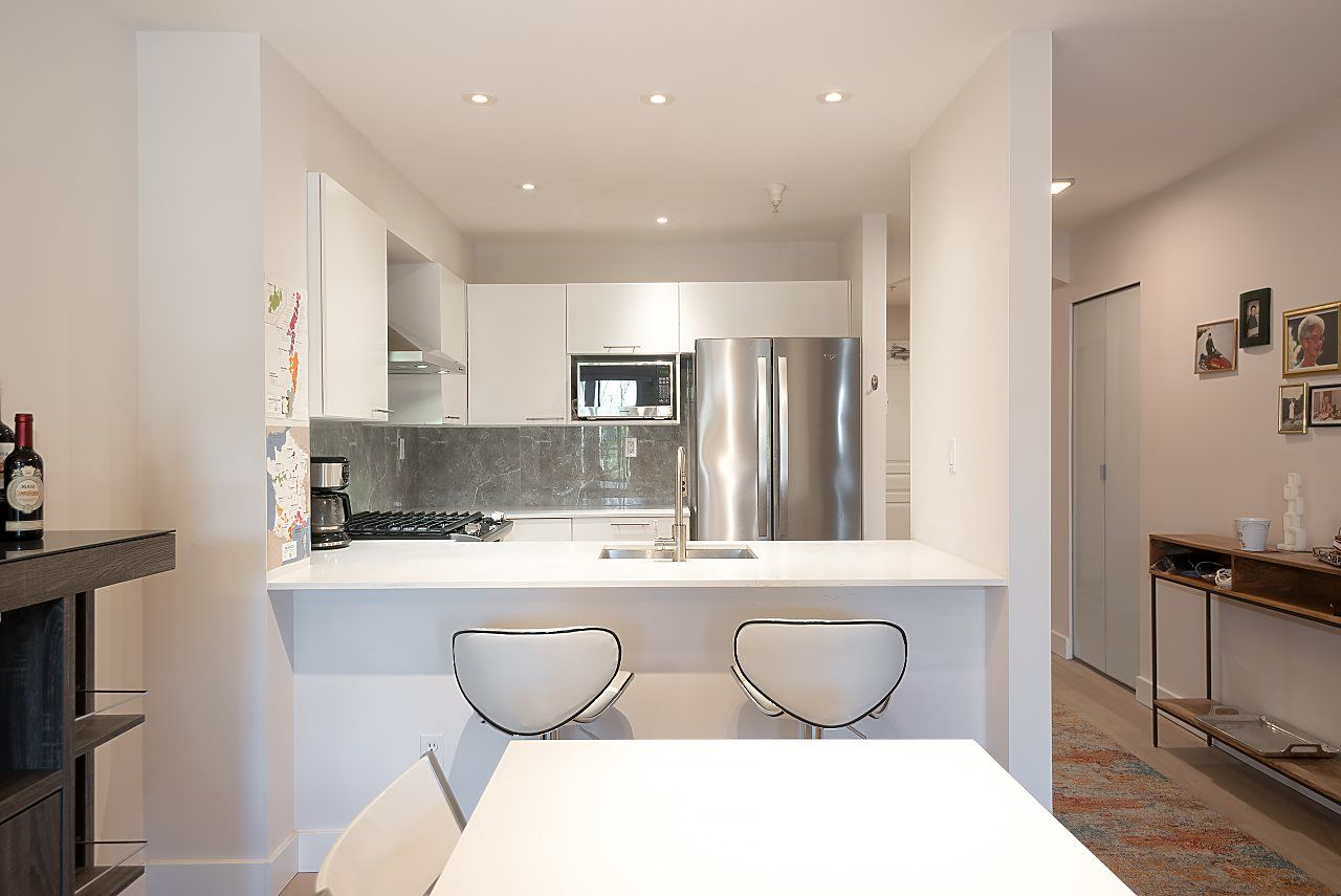 """Photo 8: Photos: 310 5723 COLLINGWOOD Street in Vancouver: Southlands Condo for sale in """"The Chelsea"""" (Vancouver West)  : MLS®# R2521366"""