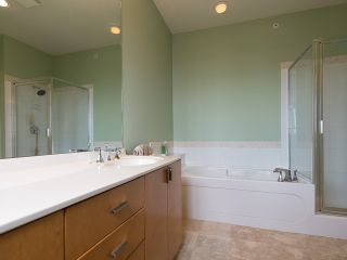 "Photo 11: 2411 SHADBOLT LN in West Vancouver: Panorama Village Townhouse for sale in ""Klahaya"" : MLS®# V1021422"