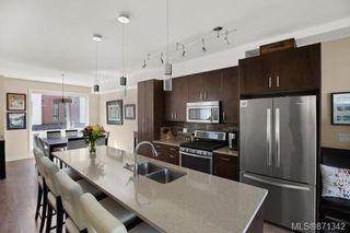 Photo 7: 3 1060 Tillicum Rd in : Es Kinsmen Park Row/Townhouse for sale (Esquimalt)  : MLS®# 871342