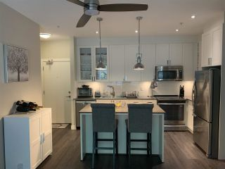 """Photo 4: 112 16398 64 Avenue in Surrey: Cloverdale BC Condo for sale in """"THE RIDGE AT BOSE FARMS"""" (Cloverdale)  : MLS®# R2590221"""