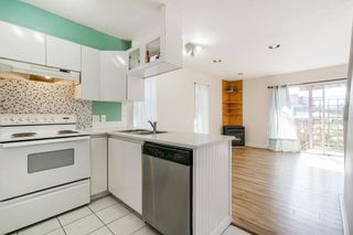 Photo 3: 214 MOWAT Street in New Westminster: Uptown NW House for sale : MLS®# R2615823