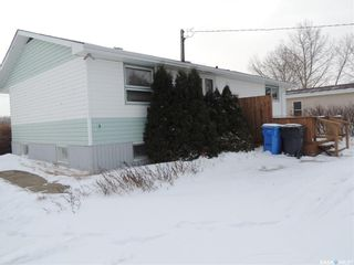 Photo 2: 120 Government Road North in Stoughton: Residential for sale : MLS®# SK796577
