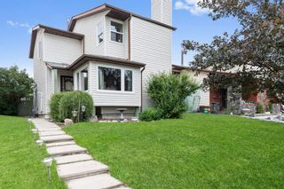 Main Photo: 147 Bedford Place NE in Calgary: Beddington Heights Detached for sale : MLS®# A1132128