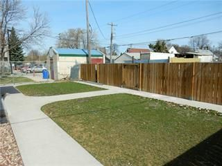 Photo 2: 649 Dufferin Avenue in Winnipeg: Industrial / Commercial / Investment for sale (4A)  : MLS®# 202113669