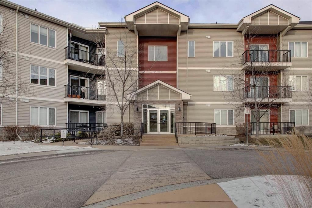 Main Photo: 1112 1540 Sherwood Boulevard NW in Calgary: Sherwood Apartment for sale : MLS®# A1055437