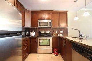 """Photo 8: 220 5588 PATTERSON Avenue in Burnaby: Central Park BS Townhouse for sale in """"DECORUS"""" (Burnaby South)  : MLS®# R2111727"""