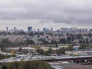 """Photo 10: 1504 2225 HOLDOM Avenue in Burnaby: Central BN Condo for sale in """"LEGACY TOWERS"""" (Burnaby North)  : MLS®# V987068"""