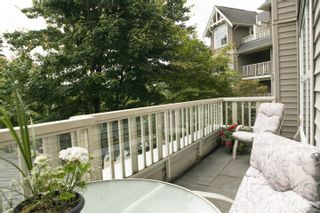 Photo 3: 217 960 LYNN VALLEY Road in Balmoral House: Lynn Valley Home for sale ()  : MLS®# V1008535