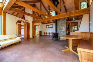 Photo 3: 4347 Clam Bay Rd in Pender Island: GI Pender Island House for sale (Gulf Islands)  : MLS®# 885964