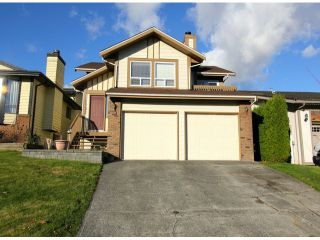 Photo 1: 2317 WAKEFIELD Drive in Langley: Willoughby Heights House for sale : MLS®# F1427526
